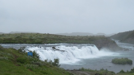 Wow, that is a big waterfall