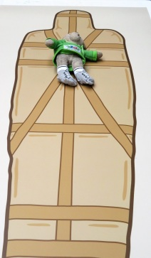 Look, I'm a mummy!